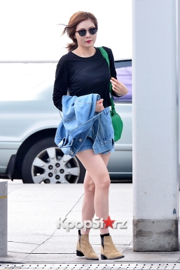 1-2 4minutes-hyuna-at-incheon-airport-to-hong-kong