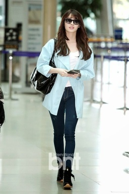 1-2Girl's day Yura Airport Fashion