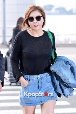 1- 4minutes-hyuna-at-incheon-airport-to-hong-kong