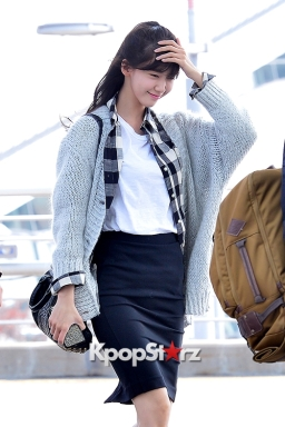 2-2 girls-generation-yoona-at-incheon-airport-to-china